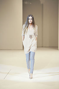 Beige Long V_Top _BuP_AW08