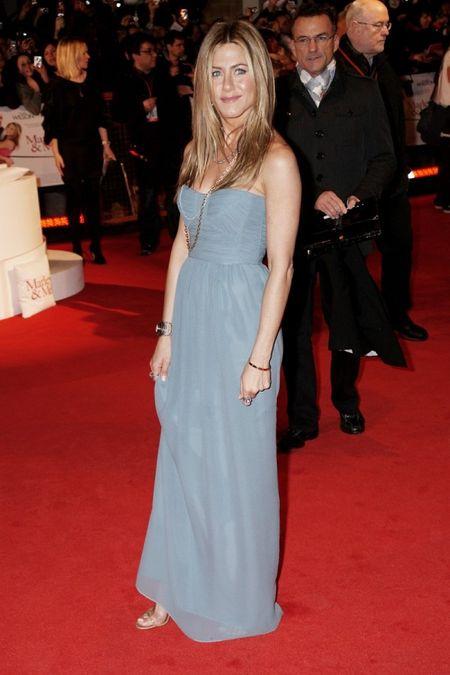 Jennifer Aniston_Burberry Evening_SS09