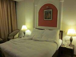 HotelClark_room